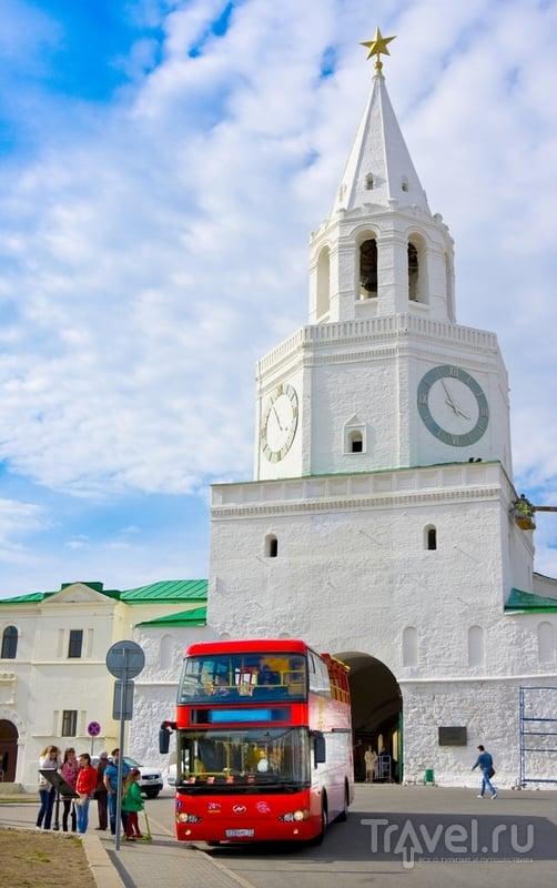 Спасская башня кремля в Казани