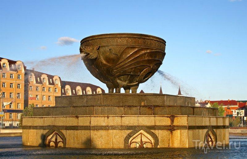 Фонтан в форме казана в парке Миллениум