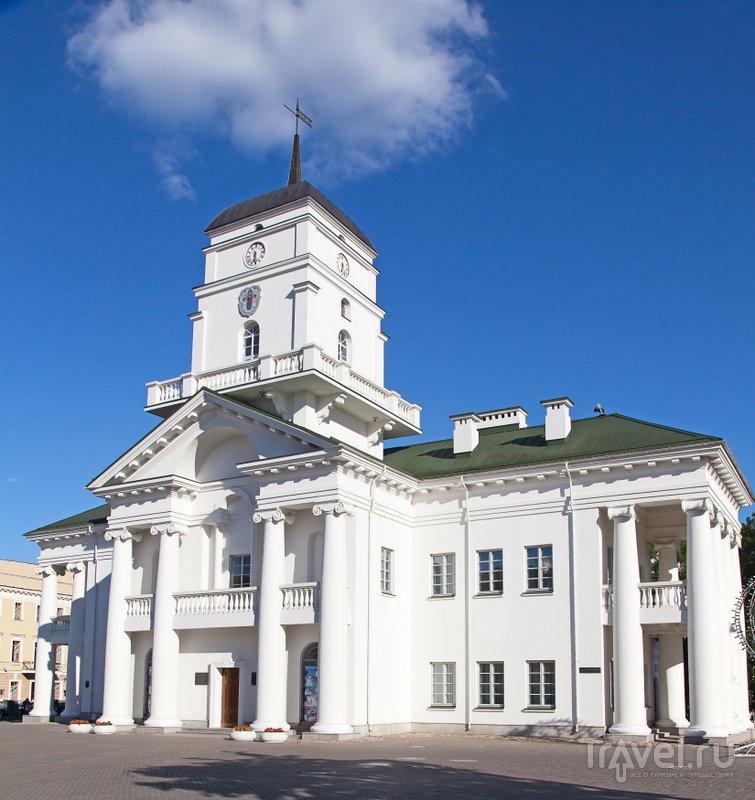 Ратушу снесли в середине XIX века и воссоздали 150 лет спустя: она открылась в 2004 году