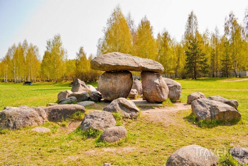 Все камни в музее валунов очень древние и имеют свою историю