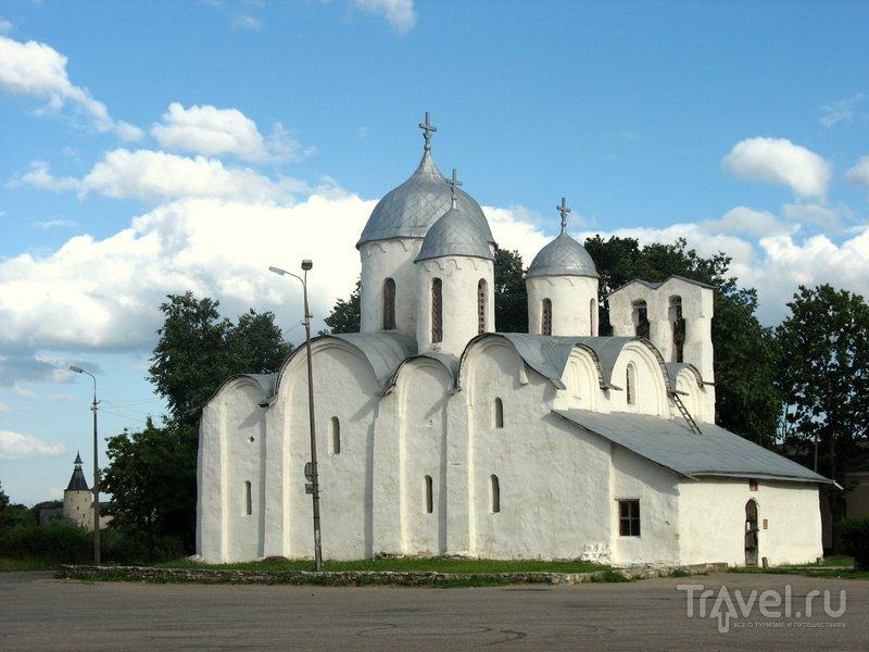 От монастыря остался лишь один храм - во имя Рождества Иоанна Предтеч