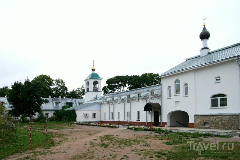 Снетогорский монастырь был основан в XIII веке.