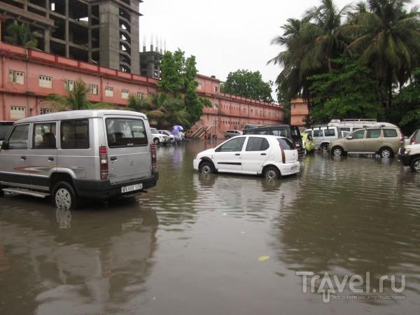 Индия. Тропический дождь. Потоп / Индия