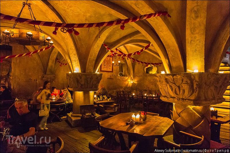 "Старая Рига. Ресторан 13 века ""Rozengrals"" / Латвия"