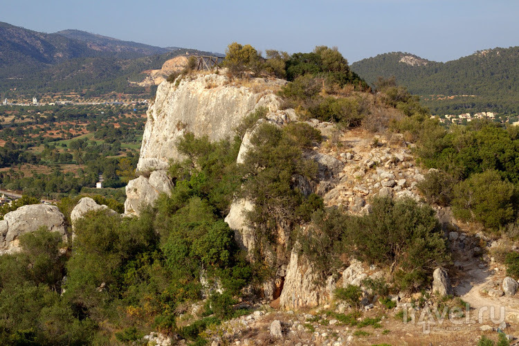 Археологический парк Puig de sa Morisca в Санта-Понса, Майорка / Фото из Испании