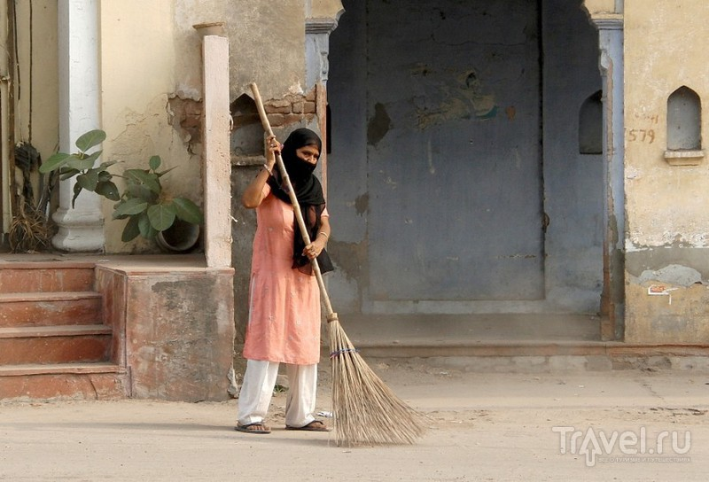 Дели. На задворках виллы Индиры Ганди / Индия