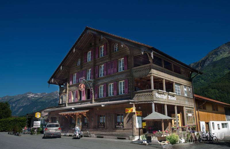 Унтербах - гостиница и водопад / Швейцария