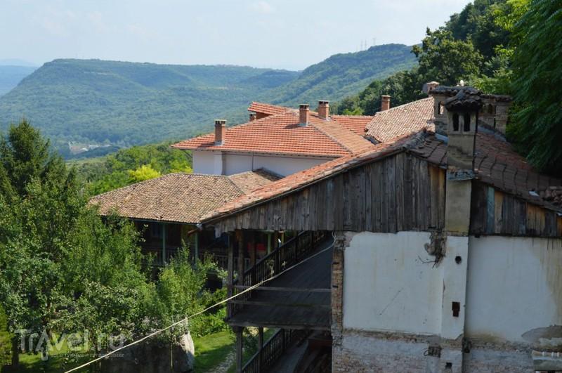 Безмятежный приют или Преображенский монастырь около Велико-Тырново / Болгария