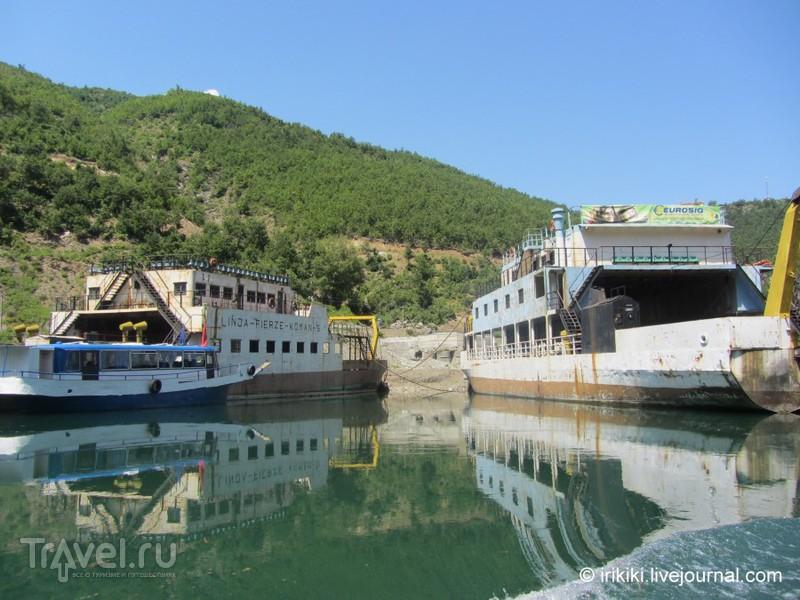 Путешествие по Команскому озеру, Албания / Албания