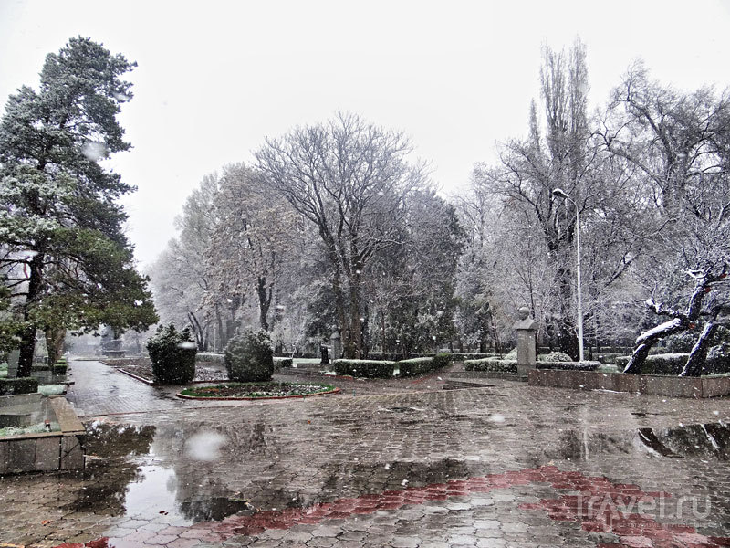 """Прогулка по Бишкеку. Центральная городская площадь """"Ала-Тоо"""" / Киргизия"""