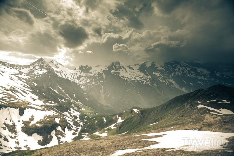 Гросглоккнер - самая высокая точка австрийских Альп летом / Австрия