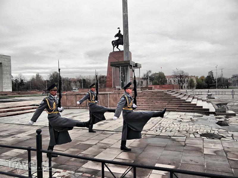 Прогулка по Бишкеку. От Площади победы / Киргизия