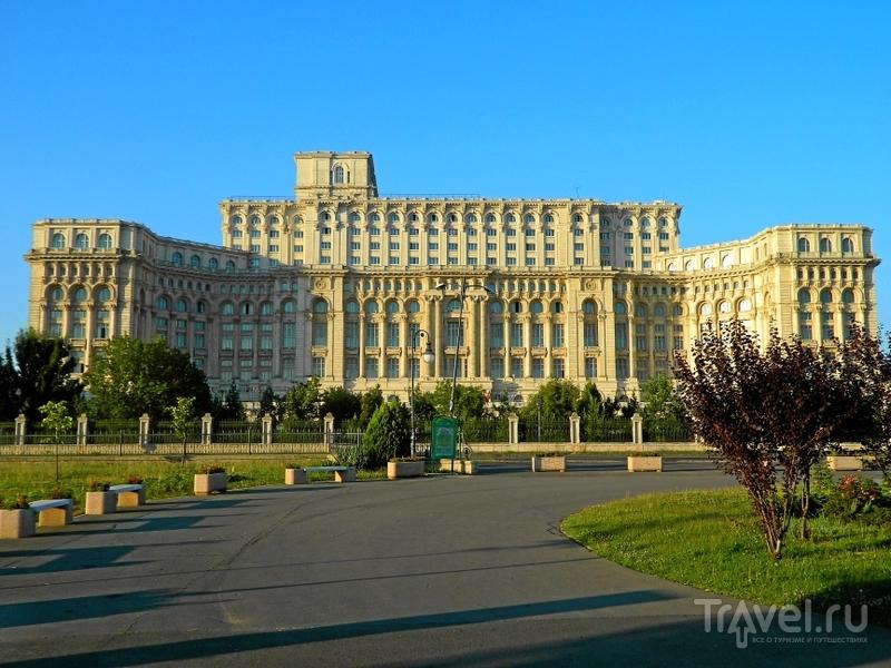Бухарест. Дворец парламента - Митрополичий холм - парк Чисмиджиу / Фото из Румынии