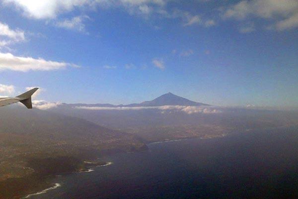 Вулкан Тейде на острове Тенерифе (фото сделано смартфоном LG Optimus Link Dual Sim)