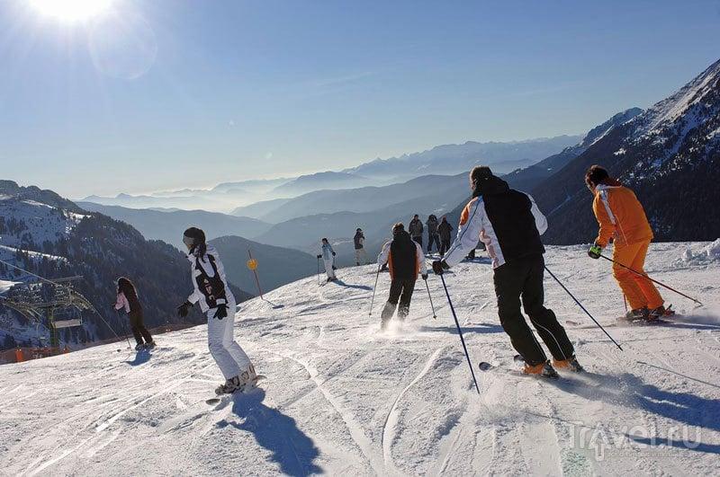 Лыжники на сколоне. Валь Ди Фьемме