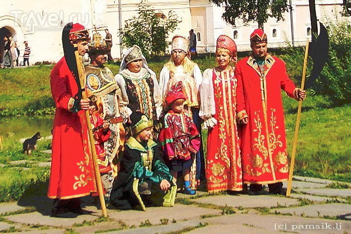 Ростов Великий: Ростовский Кремль и ростовская финифть / Россия