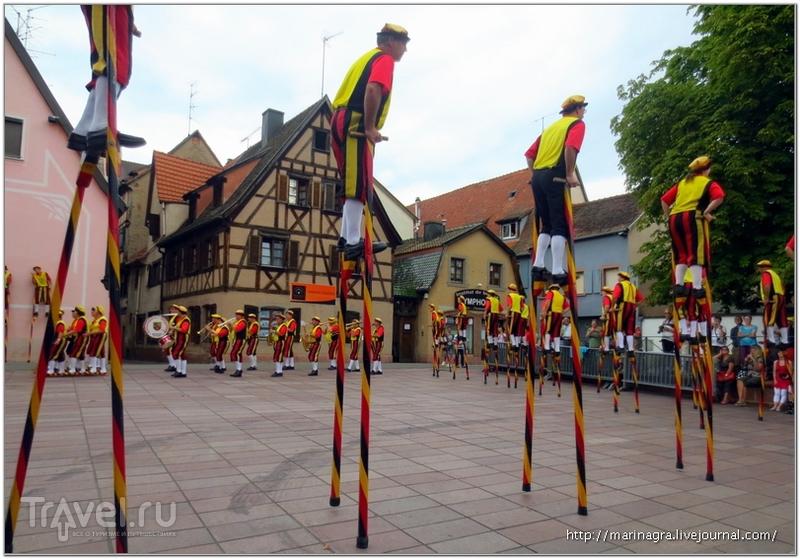 Селеста: праздник луковых башмаков и танцы на ходулях / Франция
