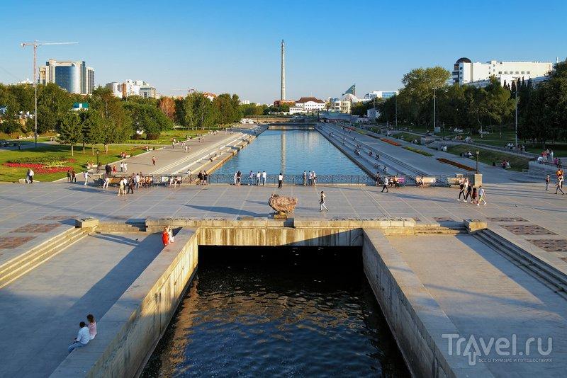 Вид на Плотинку