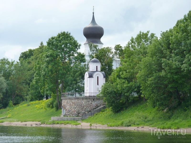 Псков. Прогулка на теплоходе по реке Великой / Россия