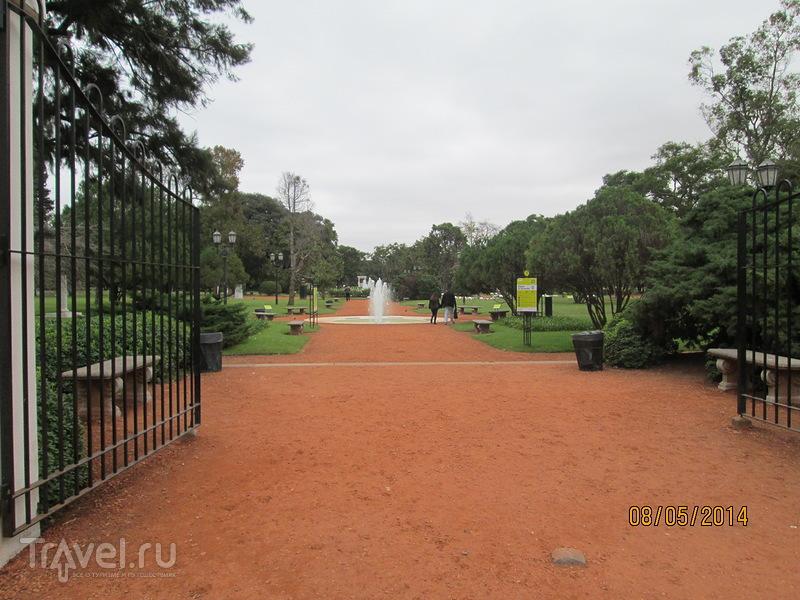 Аргентина. Буэнос-Айрес. Сад роз / Аргентина
