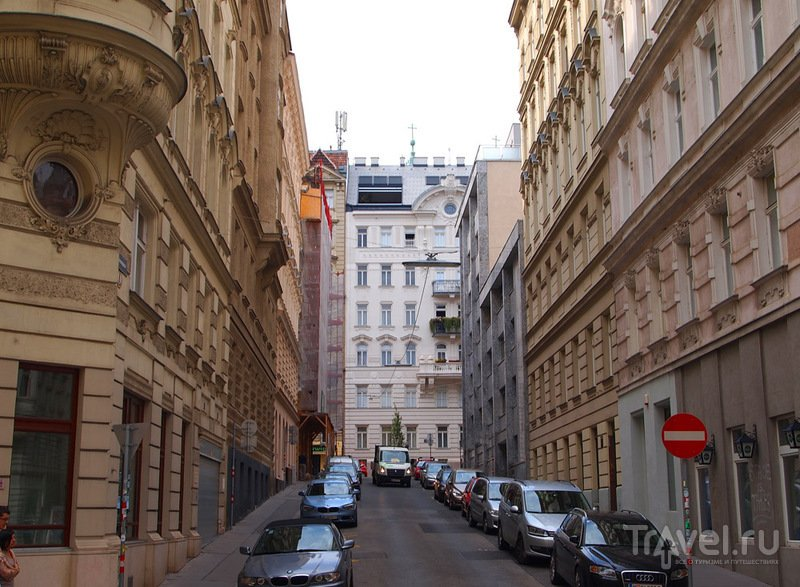 Улицы и переулки Вены вдали от туристического центра / Австрия