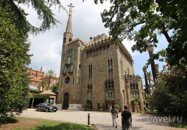 Шедевры Антони Гауди в Барселоне: башня Бейесгуард / Испания
