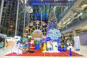 Новогодняя композиция аэропорта Суварнабуми (Бангкок)