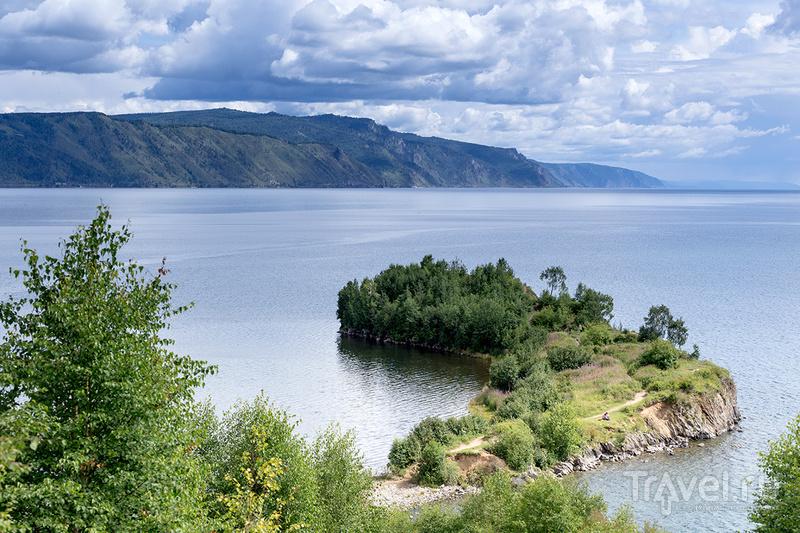 Байкал и Шаманский мыс / Фото из России