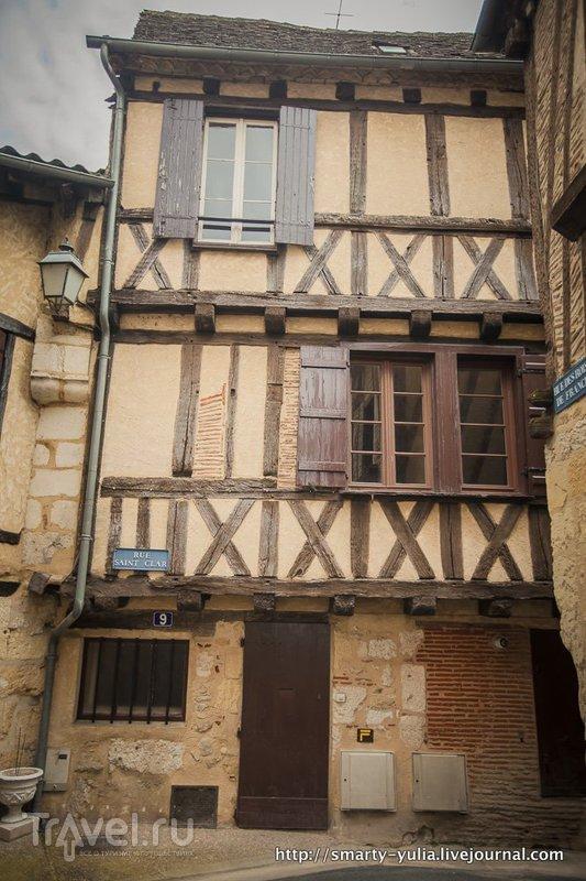 Франция, город Бержерак и замок Пимартен / Франция