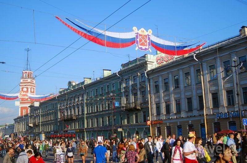 Невский проспект в День города