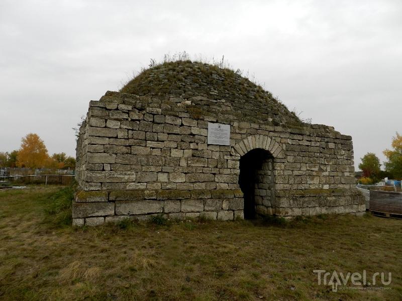 В поисках древностей. Мавзолеи XV века на Южном Урале / Россия