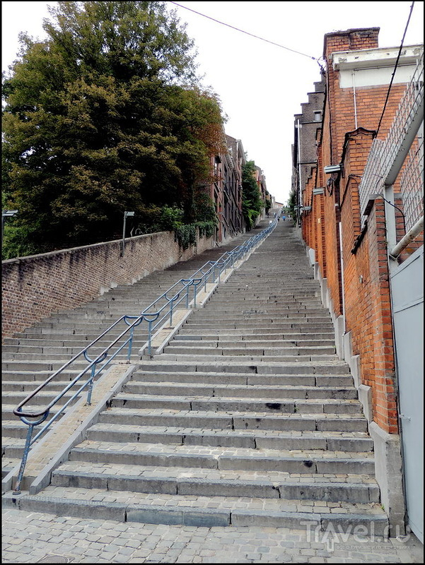 Улица-лестница в Льеже / Бельгия