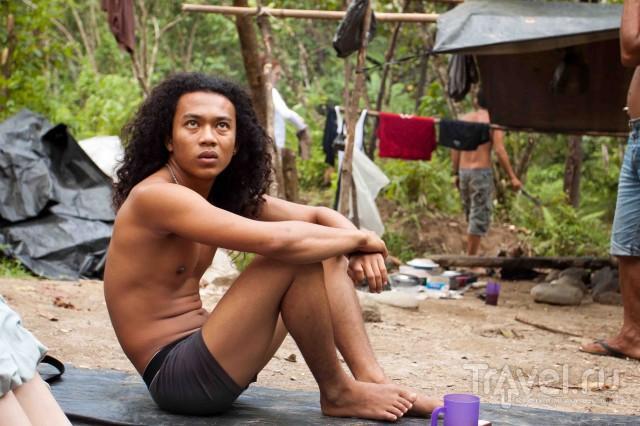 Джунгли Букит Лаванга (заповедник Гунунг Лёсер). Тьюбинг / Индонезия