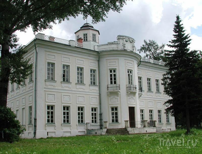 Главный дом усадьбы Большие Вяземы