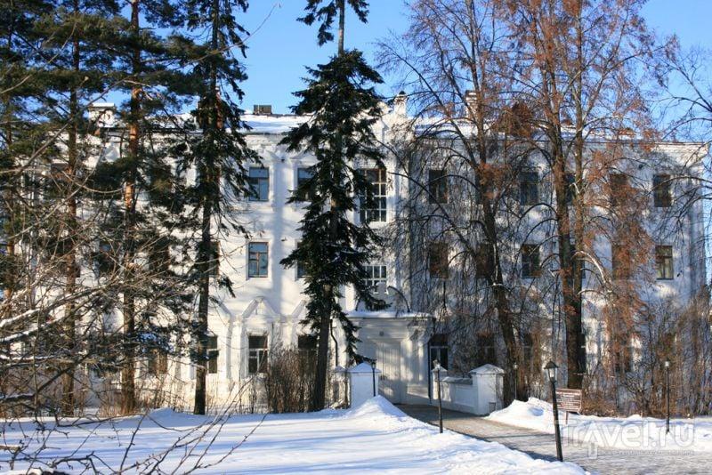 На территории Иосифо-Волоцкого монастыря