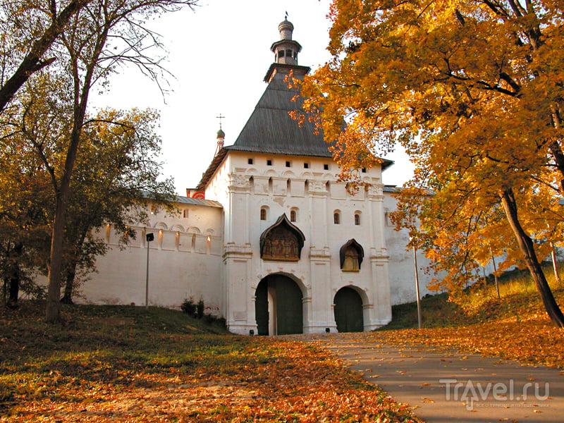 Вход в Саввино-Сторожевский монастырь