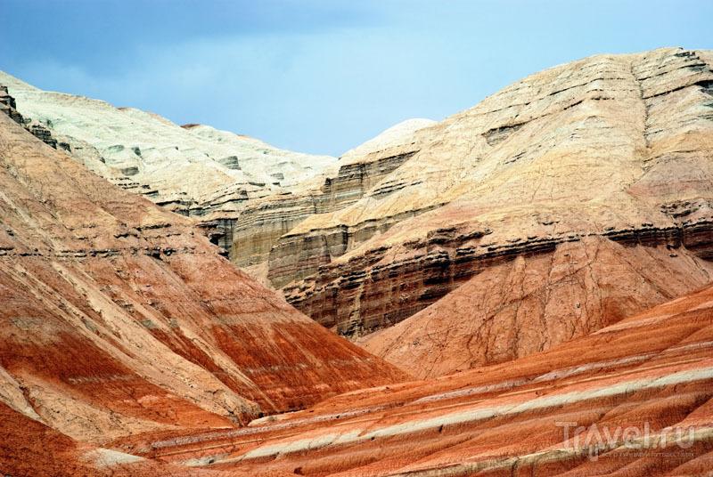 Разноцветные горы Актау / Казахстан