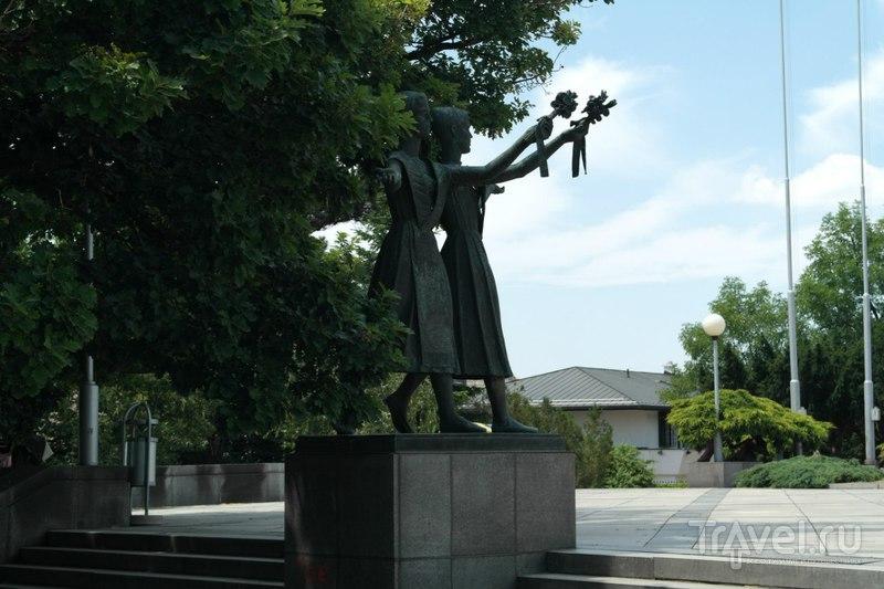 "Братислава - Из центра до мемориала и кладбища ""Славин"" / Словакия"