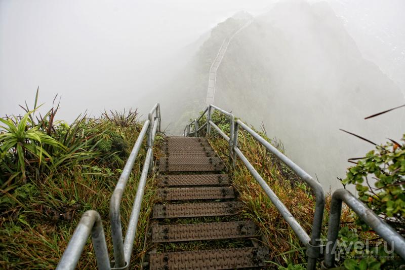 Над горами Оаху часто бывает непогода / США