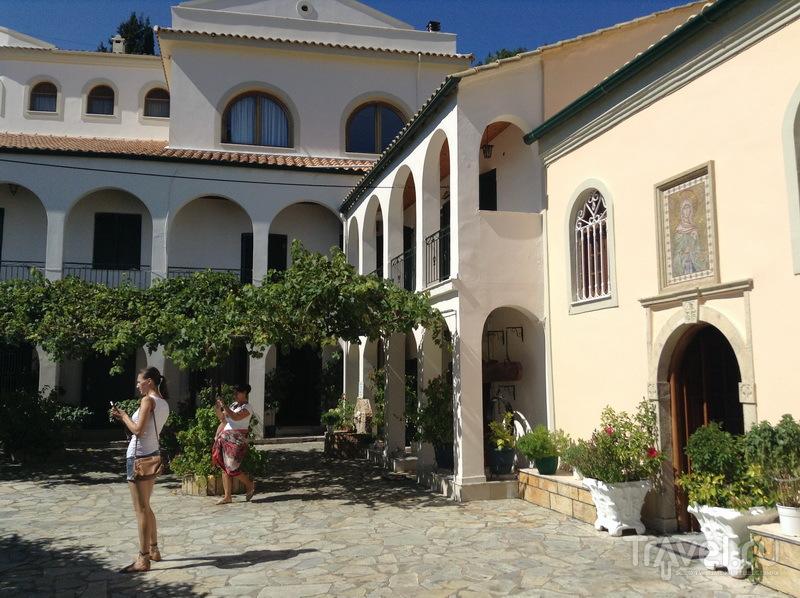 Монастырь в Кинопьястес / Греция