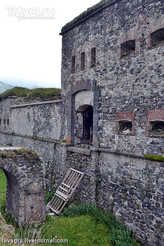 Форт Централе на границе Франции и Италии - никому не нужные безмолвные стражи войны / Италия