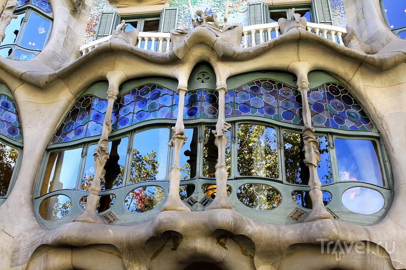 Дом Костей - великое творение Гауди! / Испания