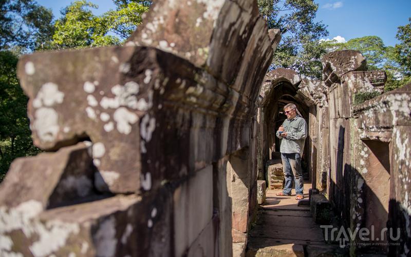 Бапуон (Baphuon) и чуть-чуть Пхимеанакаса (Phimeanakas) / Фото из Камбоджи