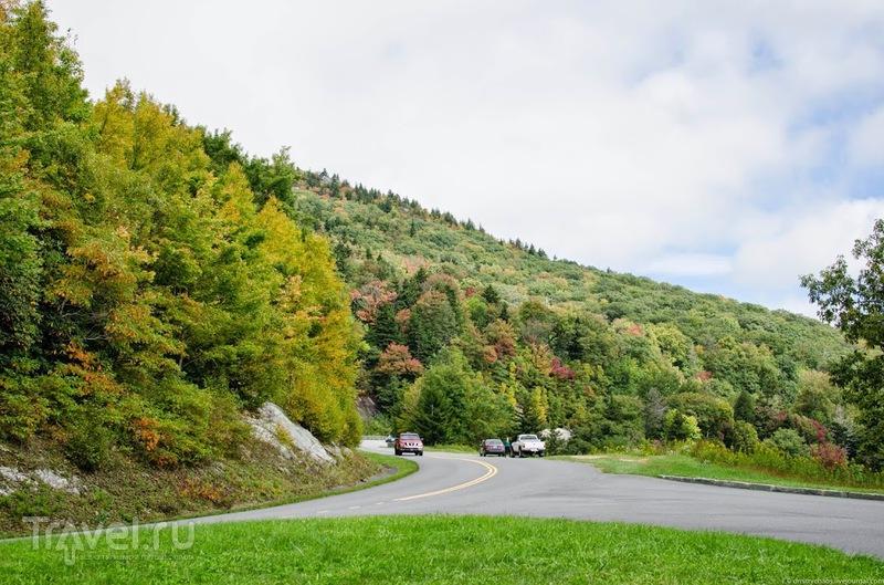 Осень в Северной Каролине. Автомагистраль Блю Ридж (Blue Ridge Parkway) / Фото из США