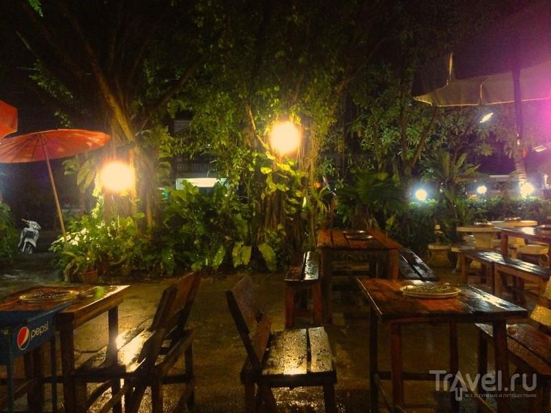 Муката - тайская кафешка, где вы готовите сами / Таиланд