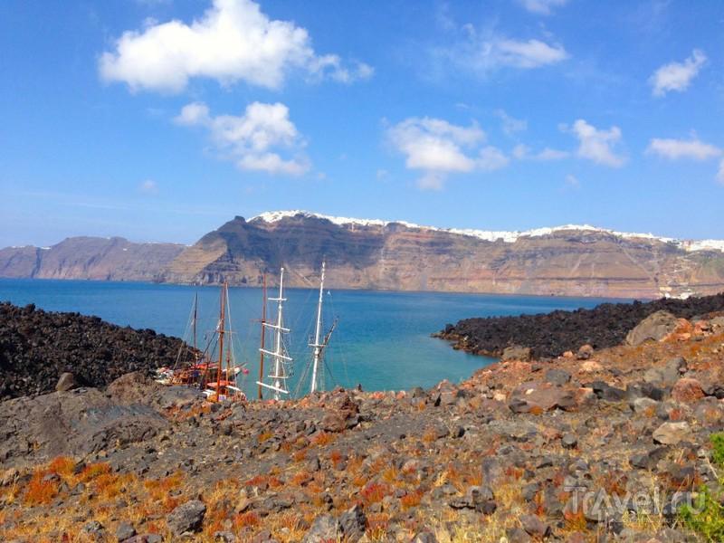 Кратер вулкана. о.Санторини / Греция