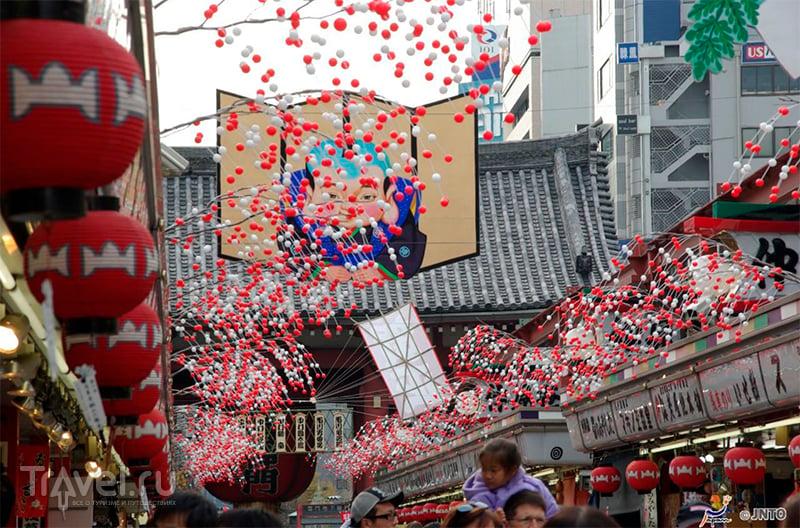 Новый Год в храме Сэнсодзи, Асакуса, Токио