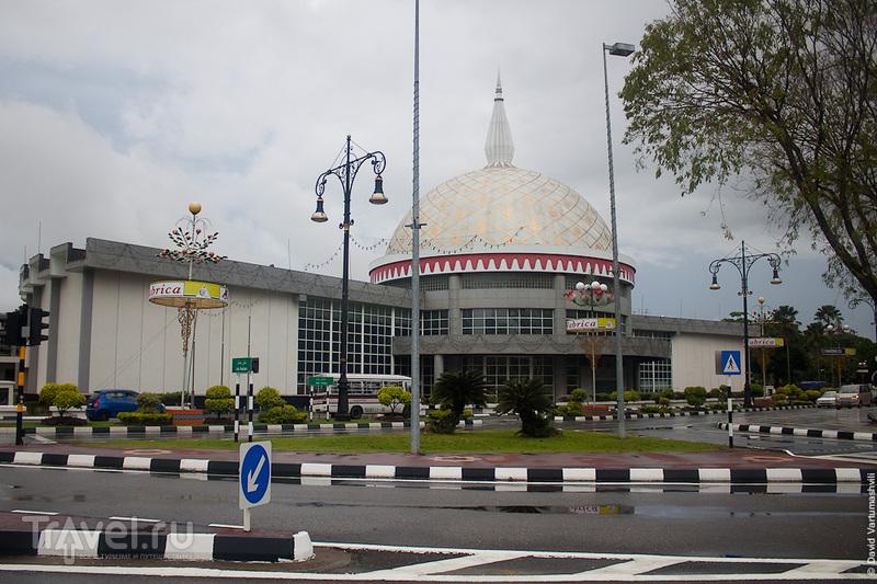 Бруней. Бандар-Сери-Бегаван: город на земле / Фото из Брунея