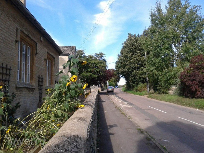 Современная английская деревня. Чедлингтон, Оксфордшир, Великобритания / Великобритания