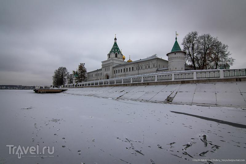 Кострома: у Ипатьевской слободы / Россия
